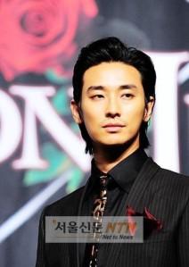 Joo-Ji-Hoon-193